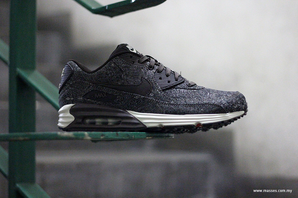 pretty nice 58b8a 2cc19 The shoes are now available at selected Nike retailers nationwide such as  Hundred%. air max lunar90 ...