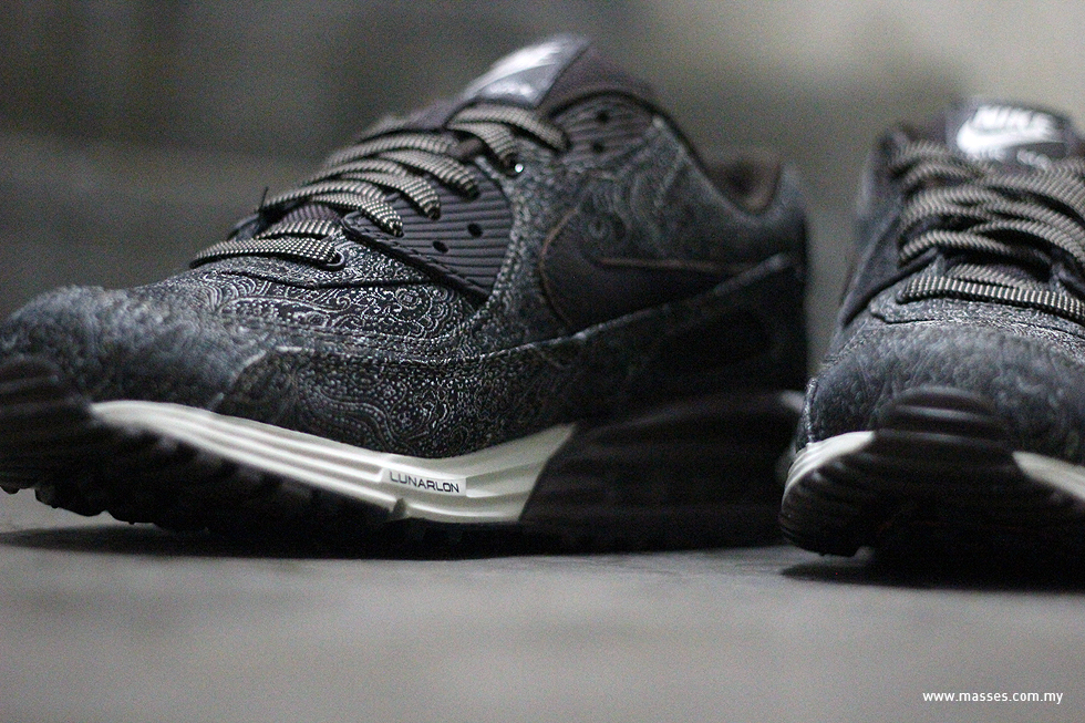 pretty nice 2c5ff fc281 The shoes are now available at selected Nike retailers nationwide such as  Hundred%. air max lunar90 ...