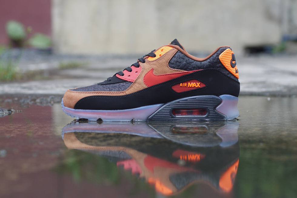 """a59bbd83bc Nike Sportswear delivers another Halloween-inspired sneaker, Nike Air Max 90  """"Halloween"""" to go along with the Air Max 95 """"Halloween""""."""