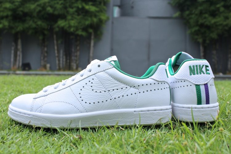 buy popular adadd 5ddd9 Nike Tennis Classic Ultra FO Women s