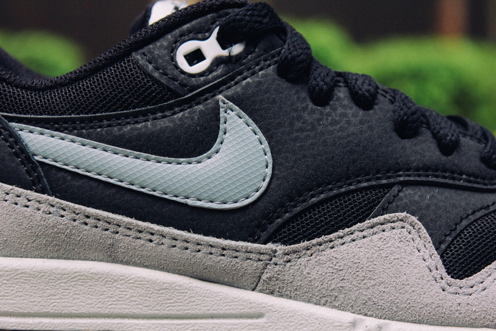 new product 8833e 37e11 Nike Air Max 1 Essential - Black/Dove Grey-Pure Platinum - MASSES