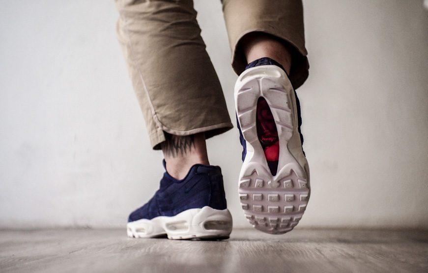 check out 8bafa d8aad Stussy x Nike Air Max 95 - MASSES