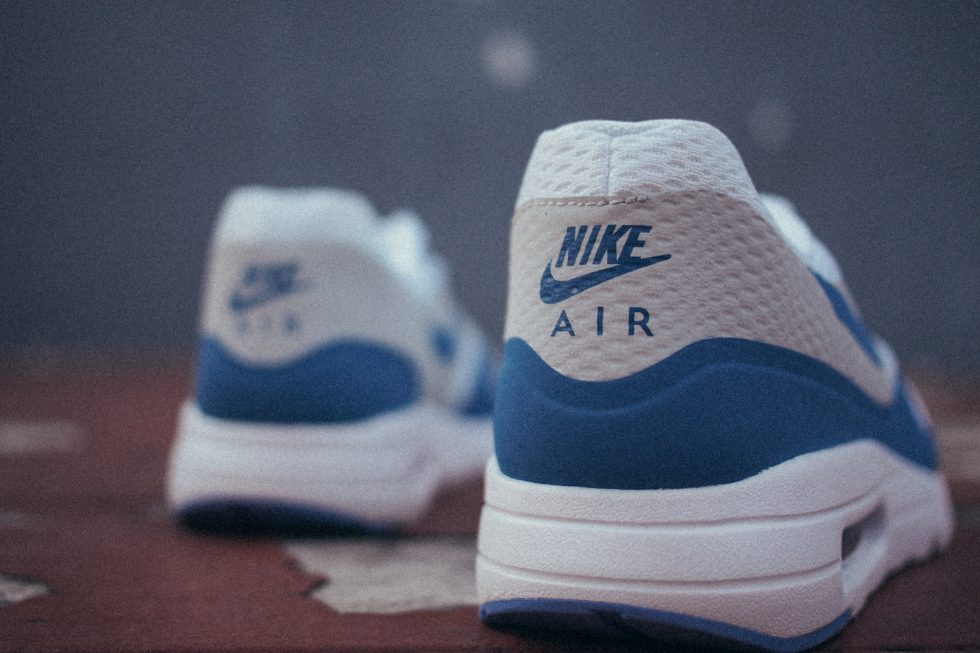 detailed look 77f00 e5414 ... official store nike air max 1 ultra essential og blue and og red 148df  5655e