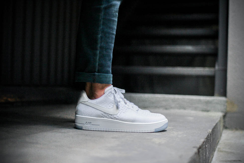 nike air force 1 low flyknit on foot