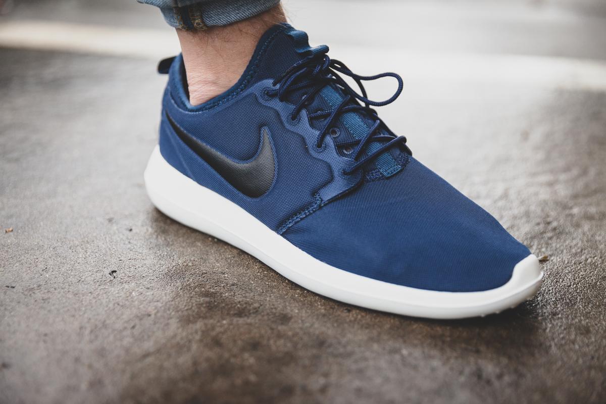 Rouge Nike Roshe Australia Post