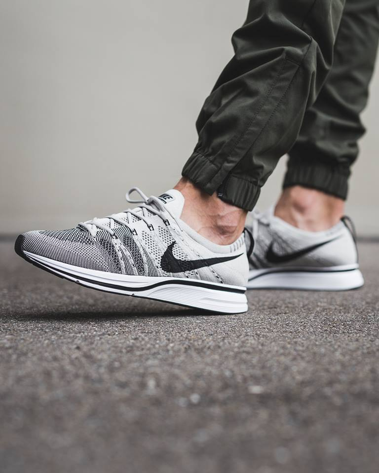 timeless design 4f1ba dfaee The Nike Flyknit Trainers drops in  Pale Grey  and  Bright Citron