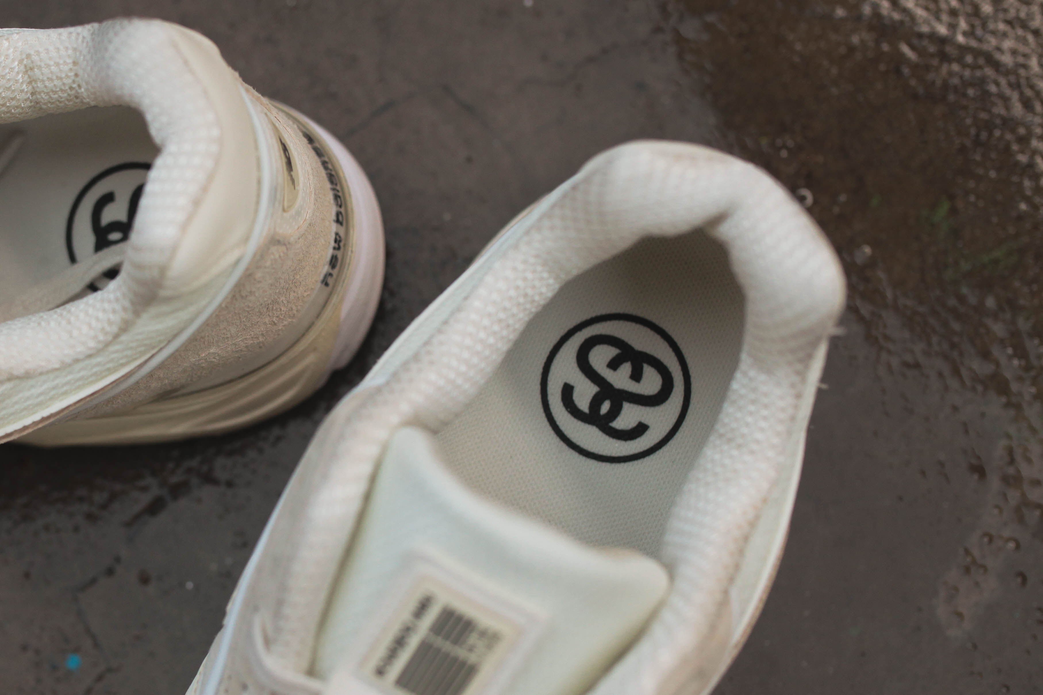 huge selection of 3dbf5 6ec63 Take A Closer Look At Stussy x New Balance