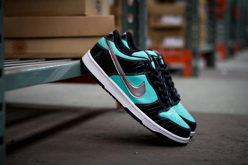 How To Legit Check A Nike SB Dunk