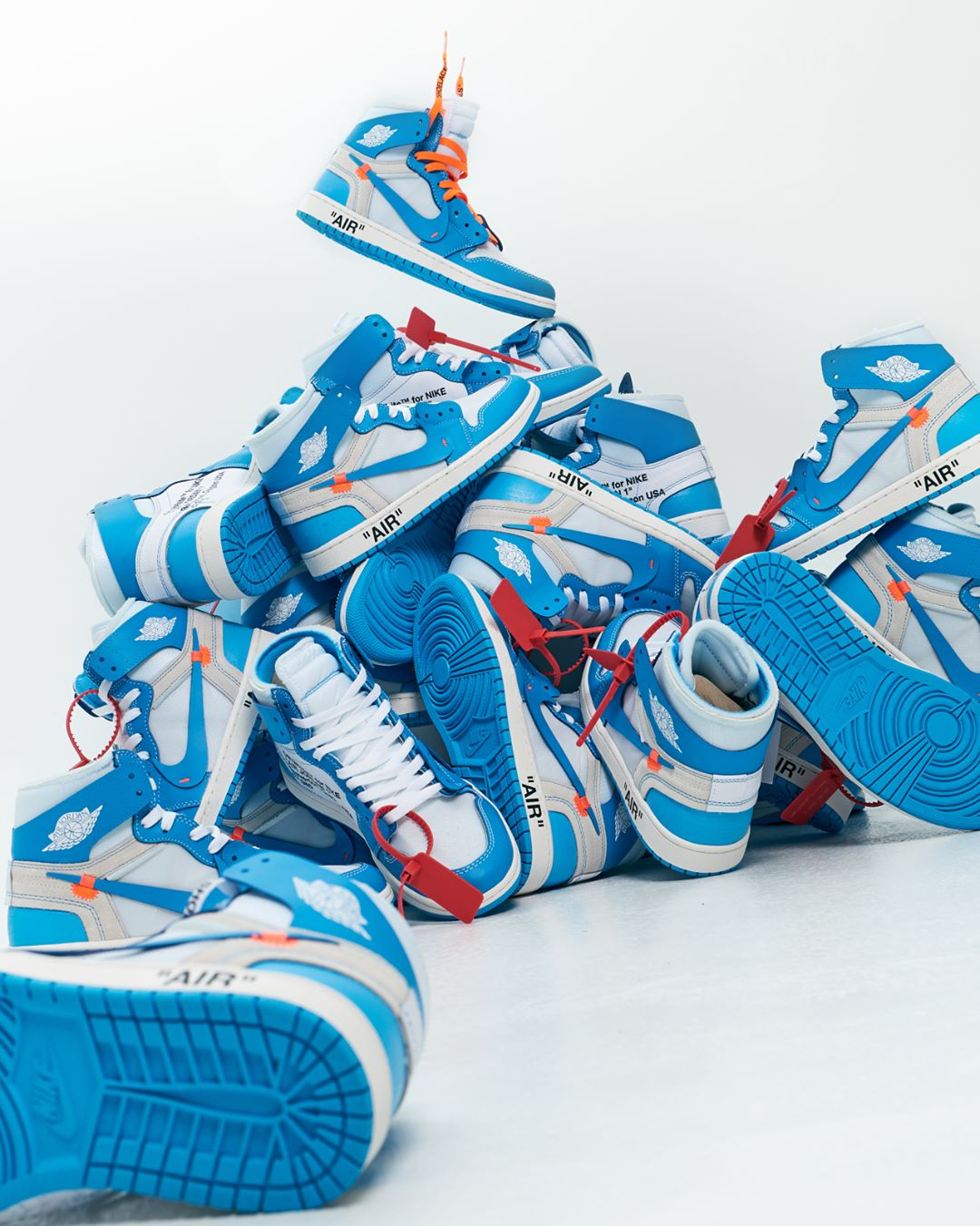 innovative design e5d12 9963f Do You Feel The Heat? The Off-White x Air Jordan 1 'UNC' Is ...